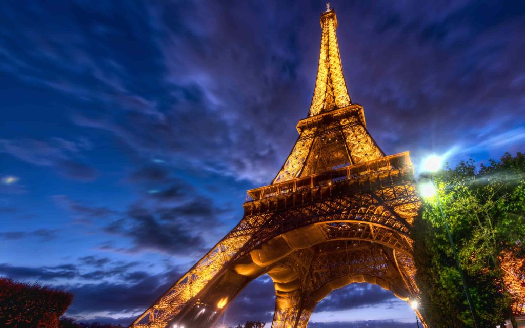eiffel_tower_review